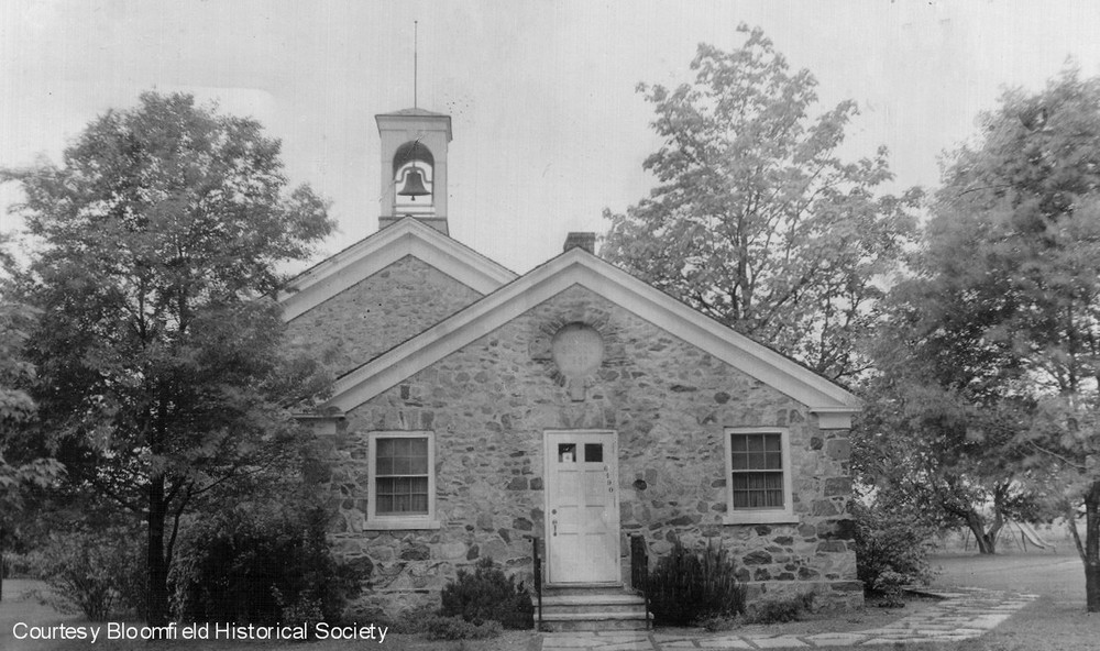 1939 Wing Lake School from the Eas -BHS.jpg