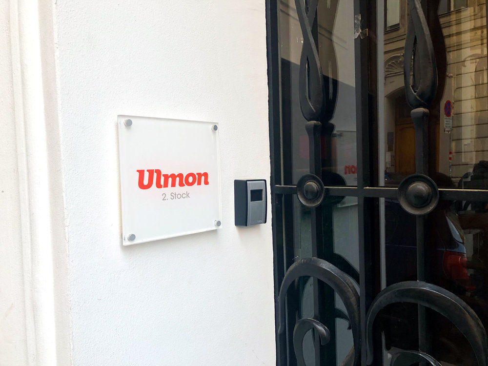Door Ulmon Office