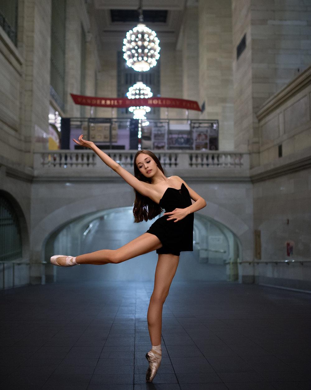 Photography: Luis Pons  Retouching: Irfan Yonac
