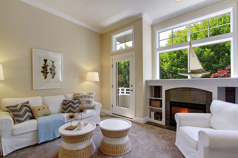 SOLD   |  CAPITOL HILL TOWNHOUSE  1808 B 14th Ave   |   Offered at $745,000