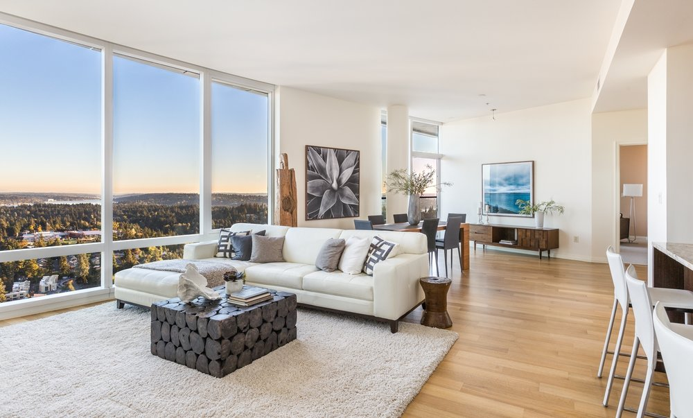 SOLD  |  BELLEVUE TOWERS 10700 NE 4th #4006    |   Offered at $1,800,000
