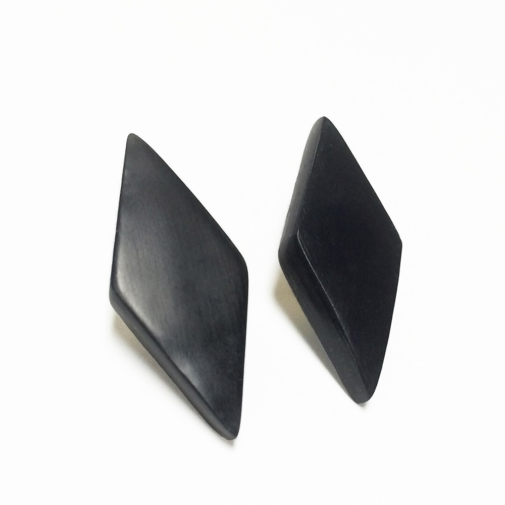 Black diamond resin stud earrings