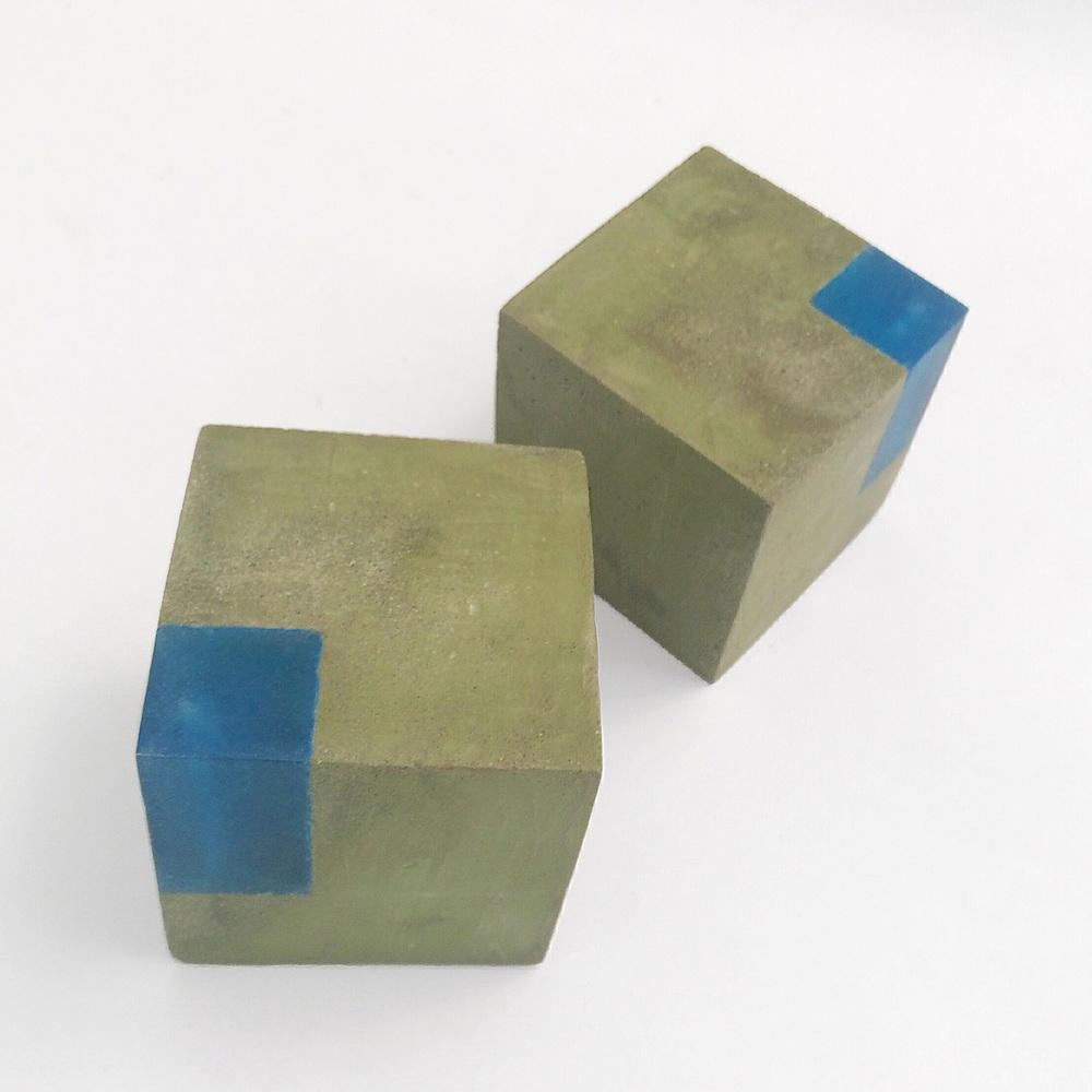 Lichen green/dark blue