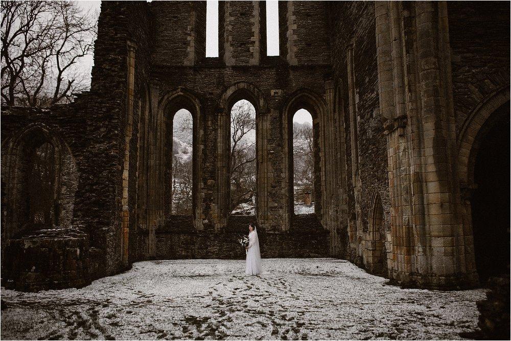 Valle-crucis-abbey-Llangollen-avonne-photography-199.jpg