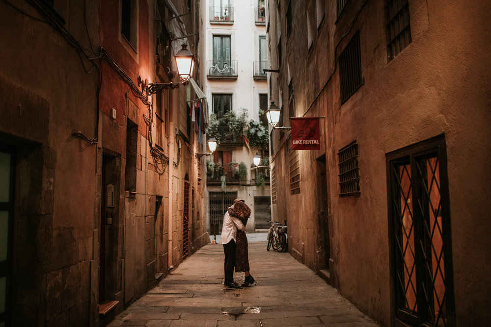 el-born-barcelona-engagement-11.jpg