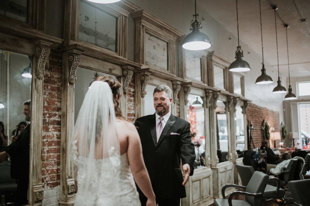 020_Hogan Wedding-95_daddydaughterfirstlook.jpg