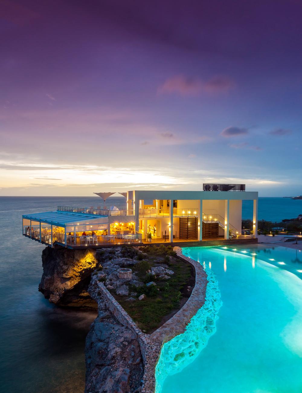Azul Restaurant at Ocean Point Resort