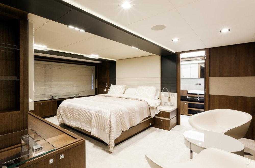 100ft Ferretti Yacht