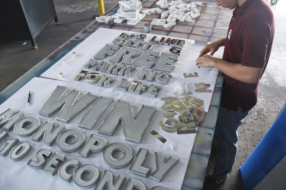 swarovski-typography-by-camilo-rojas 3_o_o.jpg