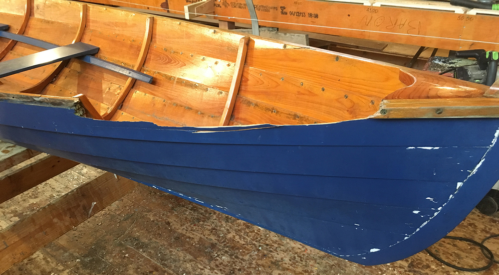 17' Herreshoff/Gardner showing some damage...