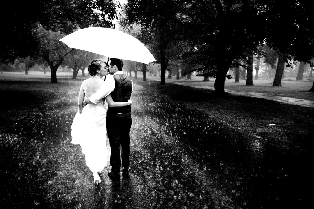 Rainy wedding photography in Canberra