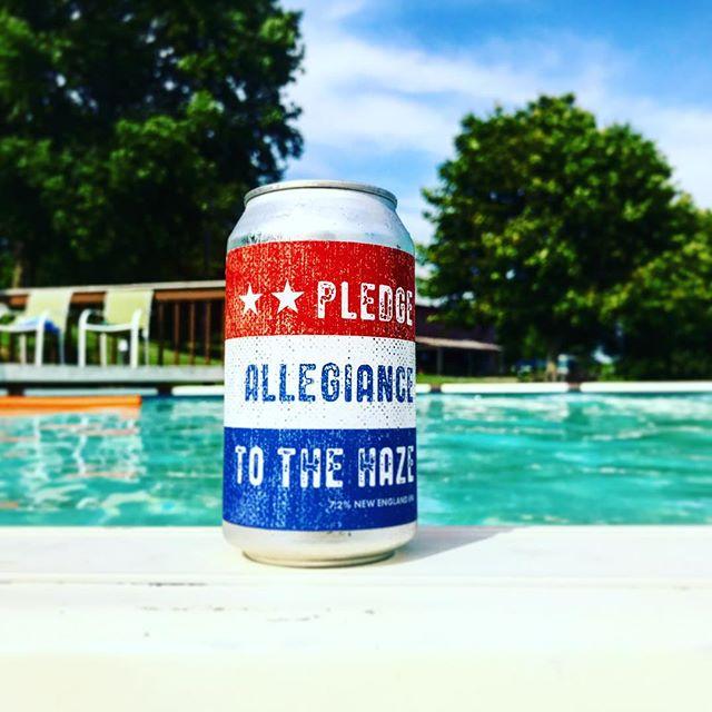 Pool day ☀️ 🇺🇸 . . . . . #mashbros #mashtastic #mashbrosbeer #beer #craftbeer #iowabeer #instabeer #iowa #cedarrapids #iowacity #local #drinklocal #brew #brewing #ipa #neipa #pool #poolbeer