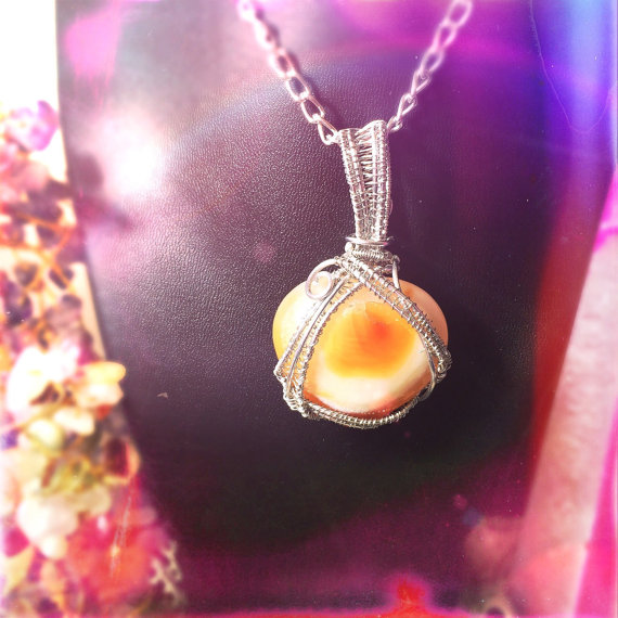 Click the photo above to purchase this carnelian beauty, allow it to heal your creative needs!