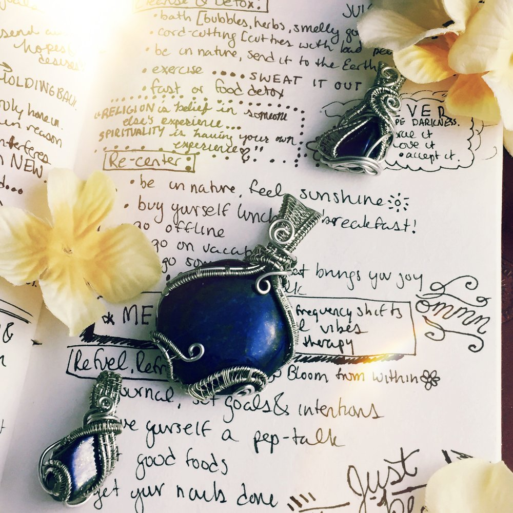 Every taurus needs a  lapis lazuli ! Nurture that energy with the power of  this royal blue stone.