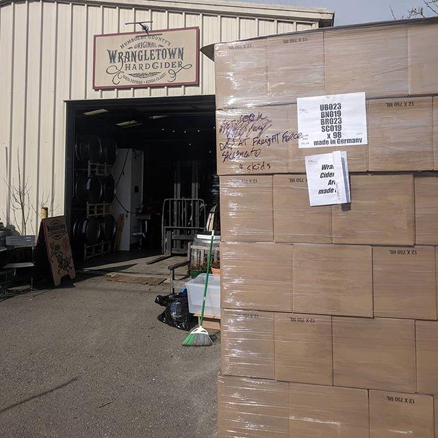 Pallets of glass delivered today for bottling 2018 Humboldt County orchard ciders as well as the next blend of Oak Barrel-Aged cider.  Thanks for the fantastic service, @unitedbottles 💯! #bottling #cider