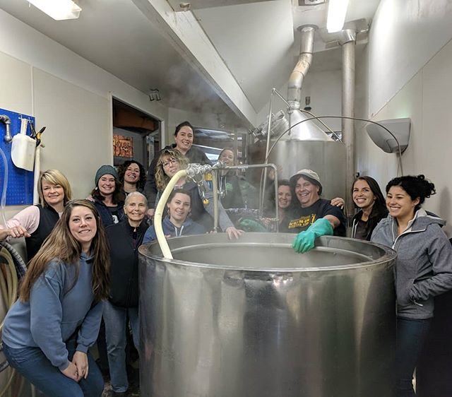 Happy International Women's Day!  Celebrating the day by brewing with our female gang of Humboldt women ciderermakers, brewers and distillers @sixriversbrewery. 🥃🥂🍸🍺🏋️‍♀️
