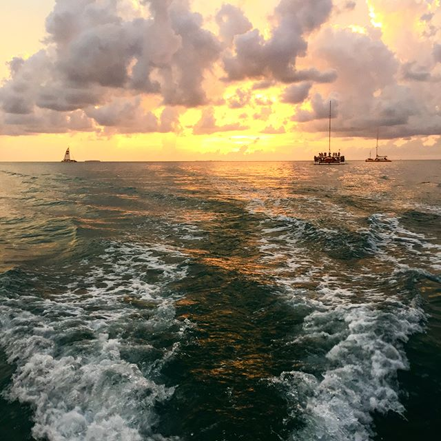 #sunsetcruise #keywestflorida #mediocrescenery #slowdownweek #day2 @markstojack