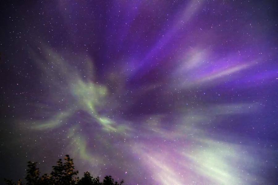 exploding_auroras_sm.jpg