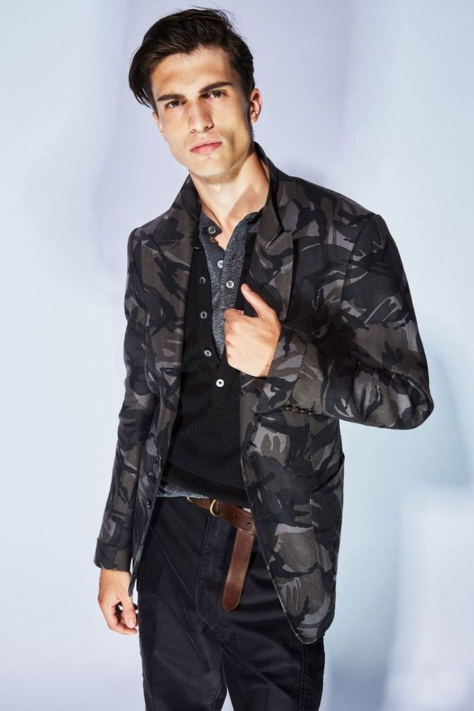 tom-ford-ss18-milan-fashion-week-mens-11.jpg