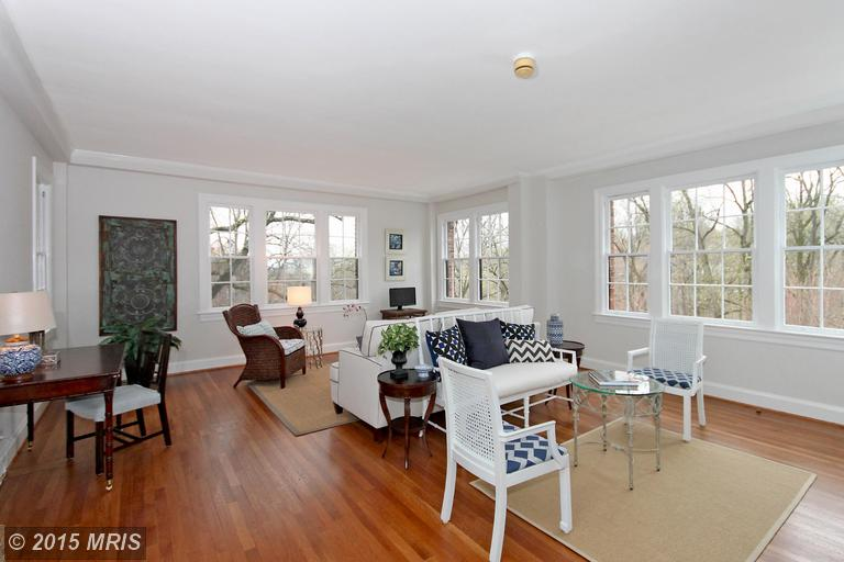 Charming unit in  Tilden Gardens