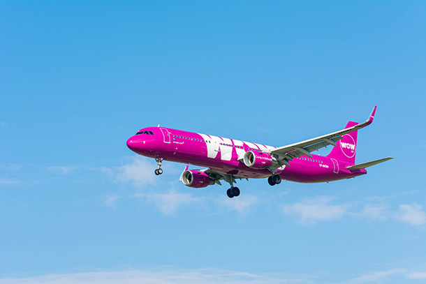 """The Pros and Cons of Flying on Wow Air"" Credit to @PatiTravels"