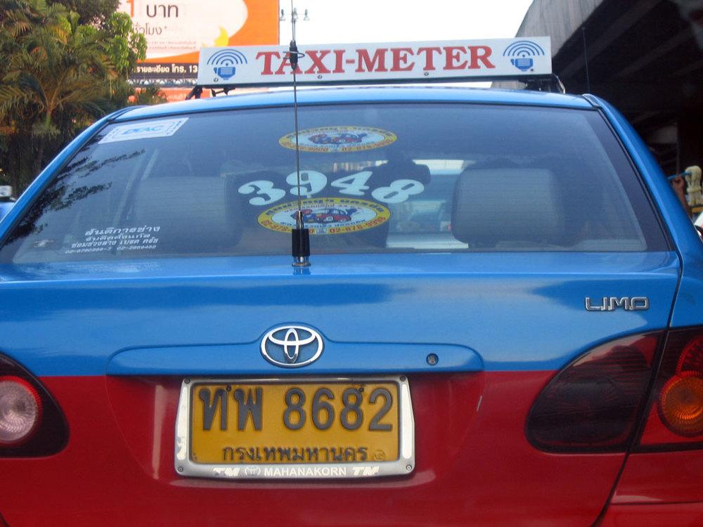 taxi-limo.jpg