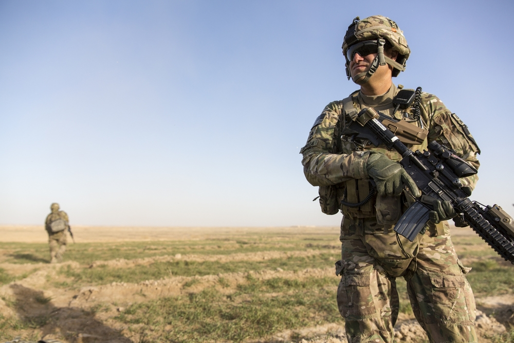 US Army Soldier on foot patrol (Lash-e Juwayn, Afghanistan).