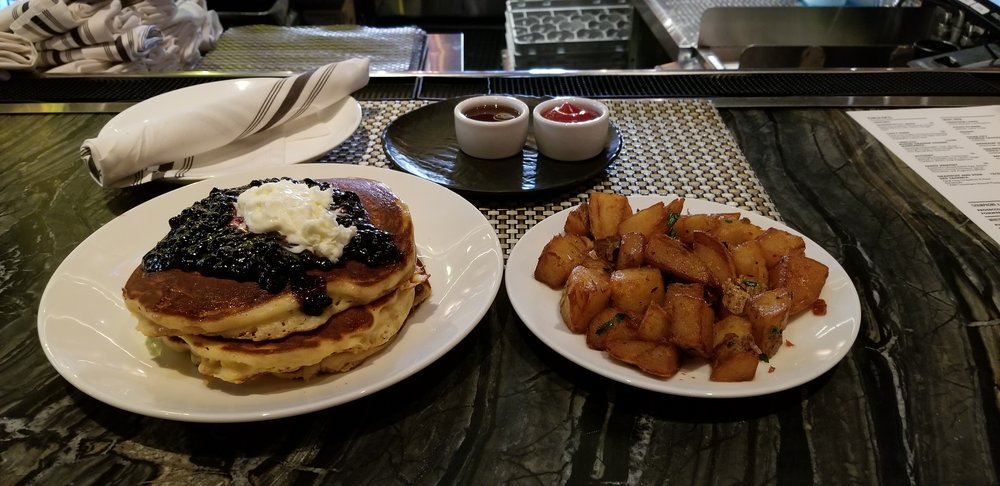 Pancakes and potatoes from Versa