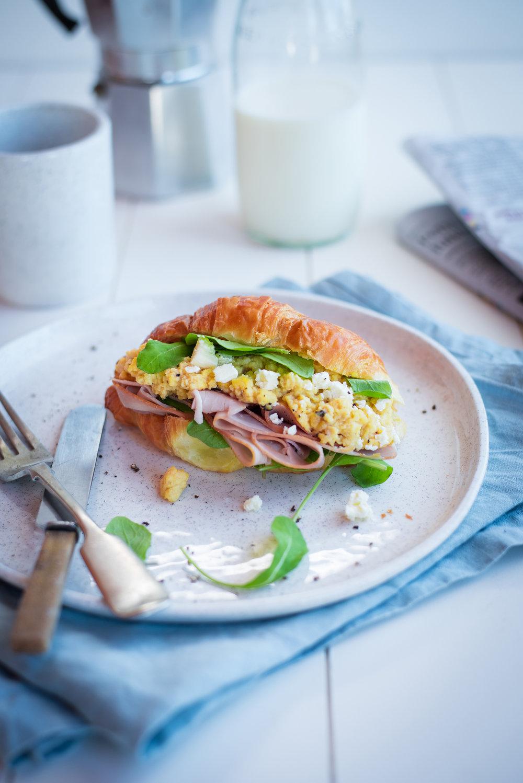 scrambed egg croissant-2522-2_small.jpg