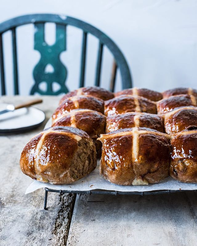 I hope everyone is having a lovely Easter break! These delicious hot cross buns are up on the blog under baking 🐰