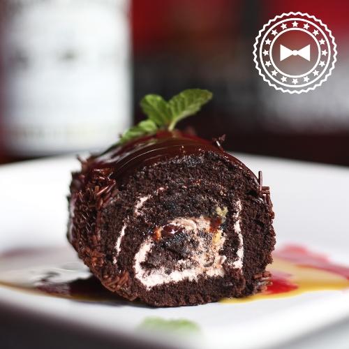 Brazo gitano de chocolate con Ron Barrilito, de Te.Tas La Cocina, Cayey