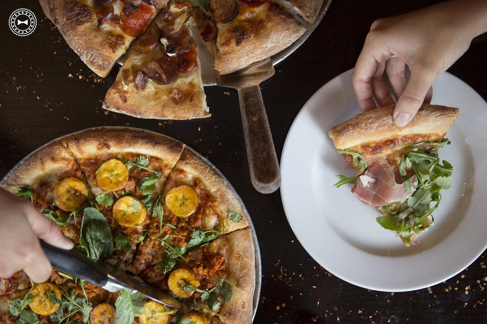 Surtido de pizzas en Si No Corro Me Pizza, Calle Loíza, Santurce