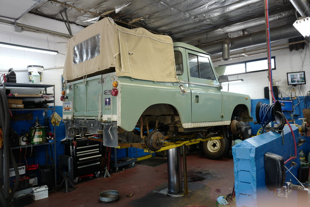 Photo Gallery Of Import Autos That Import Specialties In Columbia - Range rover repair shop