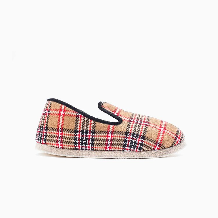 slippers_castet_01.jpg