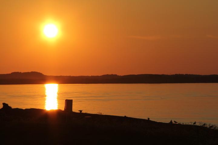 Midnattsol på Sandhornøya.