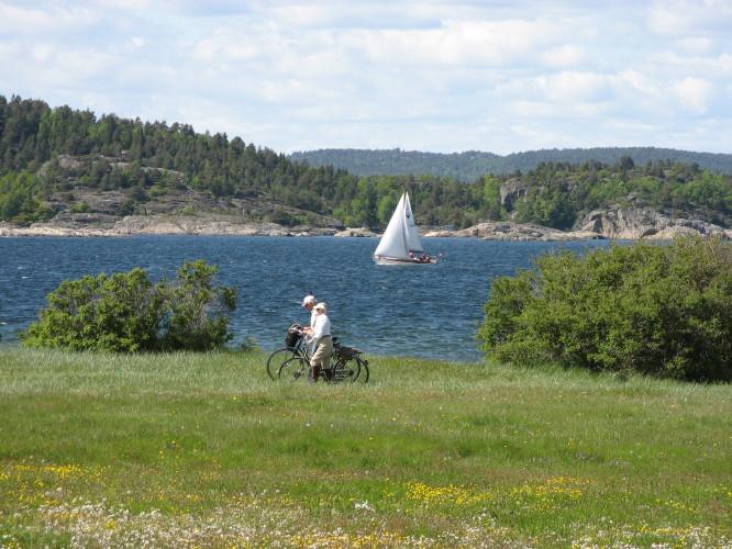 På sykkel på Jomfruland, Kragerø.