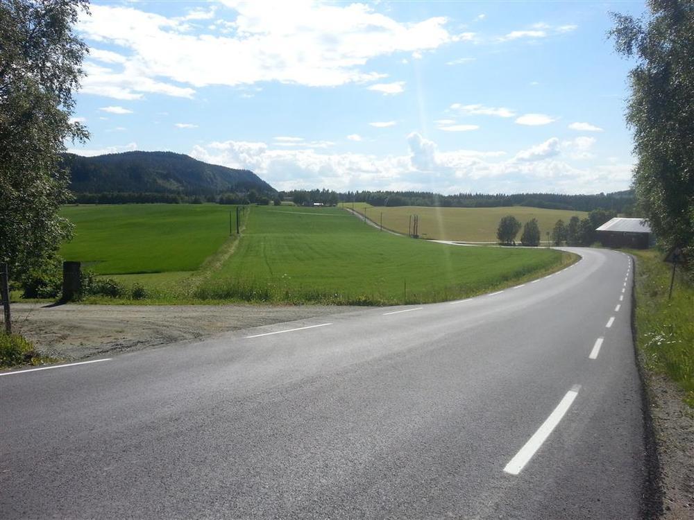 Rolige forhold over Tilleråsen til Torgårdsletta.