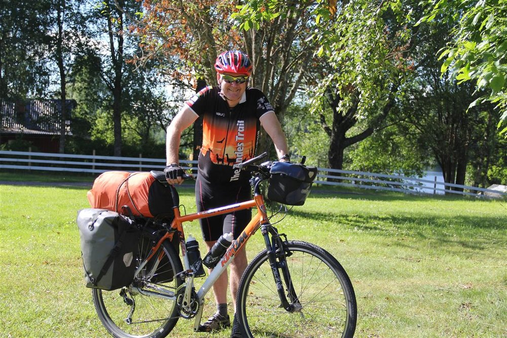 På kortere sykkelturer er det ofte tilstrekkelig plass til alt utstyret i sykkelvesker bak.