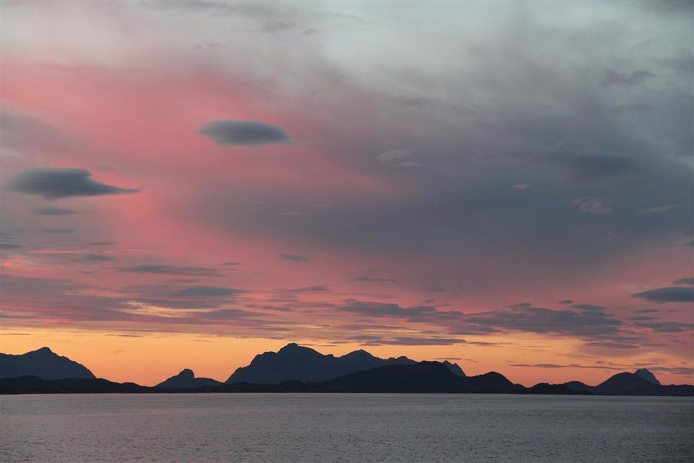 solnedgang-hadseloya-vesteraalen.JPG