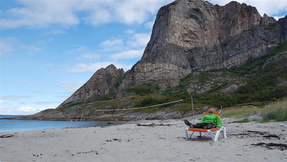 Det er tett mellom sandstrendene langs kysten av Nordland og Troms. Her på Rødøy.