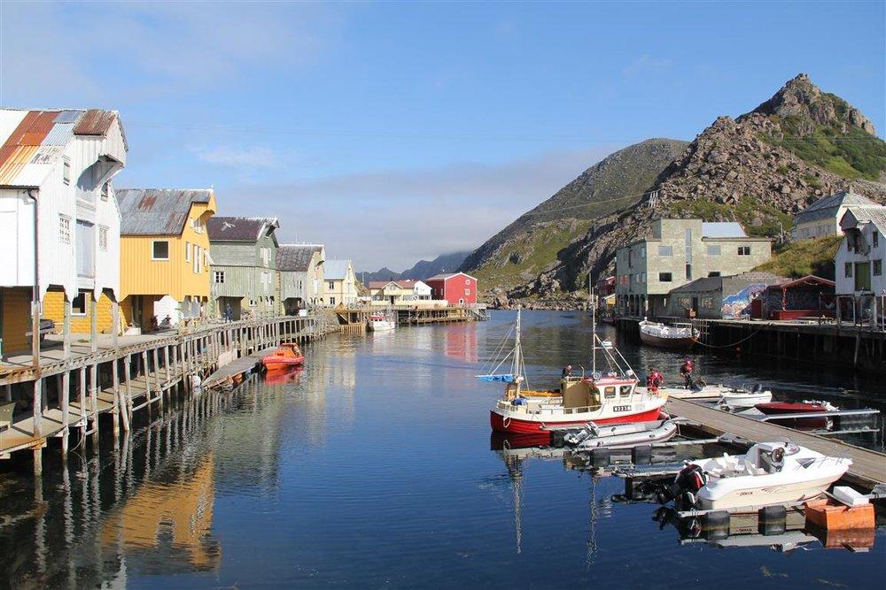 Fine småsteder er det også mange av, som Nyksund i Vesterålen.