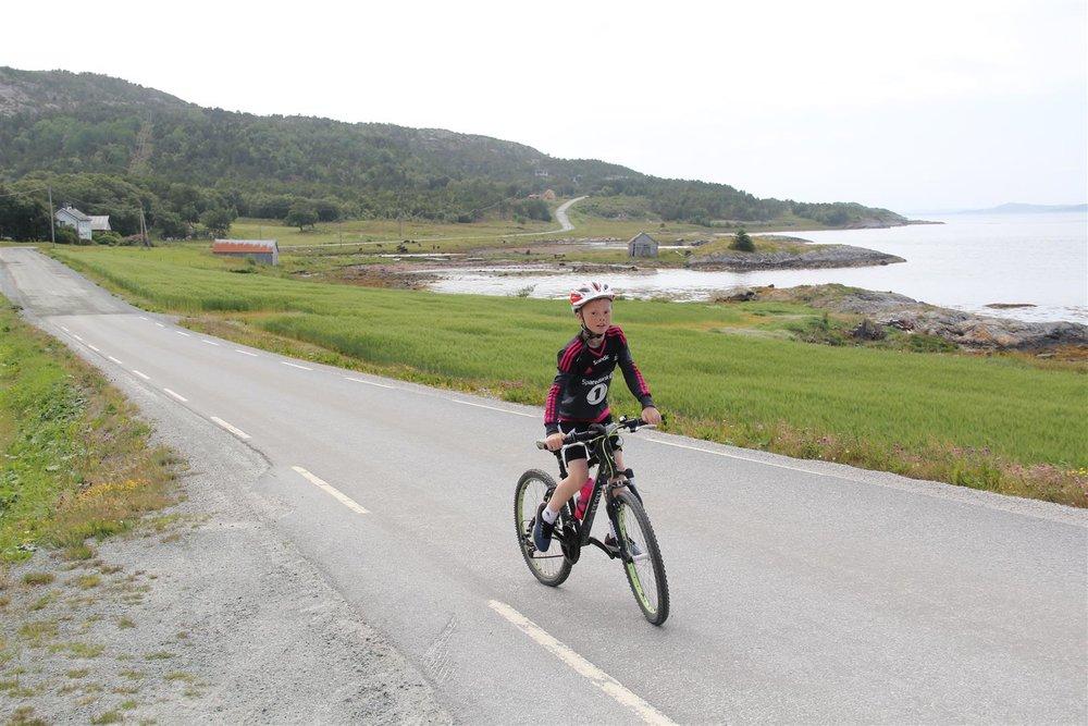 Å sykle langs Trondheimsfjorden ytterst i Agdenes var blant turens høydepunkter.