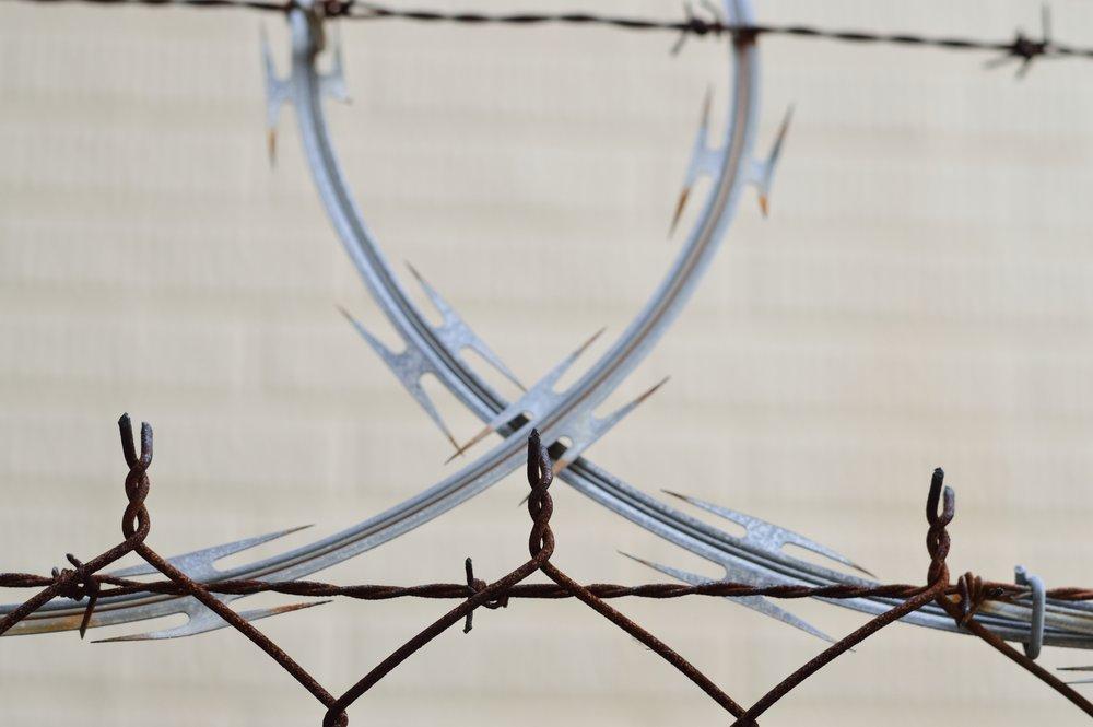 barbed-wire-barrier-blur-446464.jpg