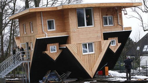 270287-upside-down-house-512x288.jpg