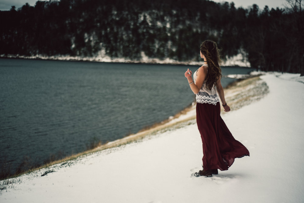 Moody Snowy Portrait Session at Lake Arrowhead in Luray Virginia_18.JPG