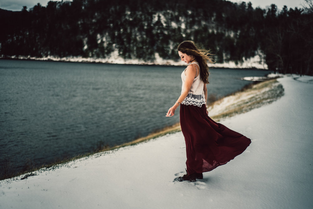 Moody Snowy Portrait Session at Lake Arrowhead in Luray Virginia_19.JPG