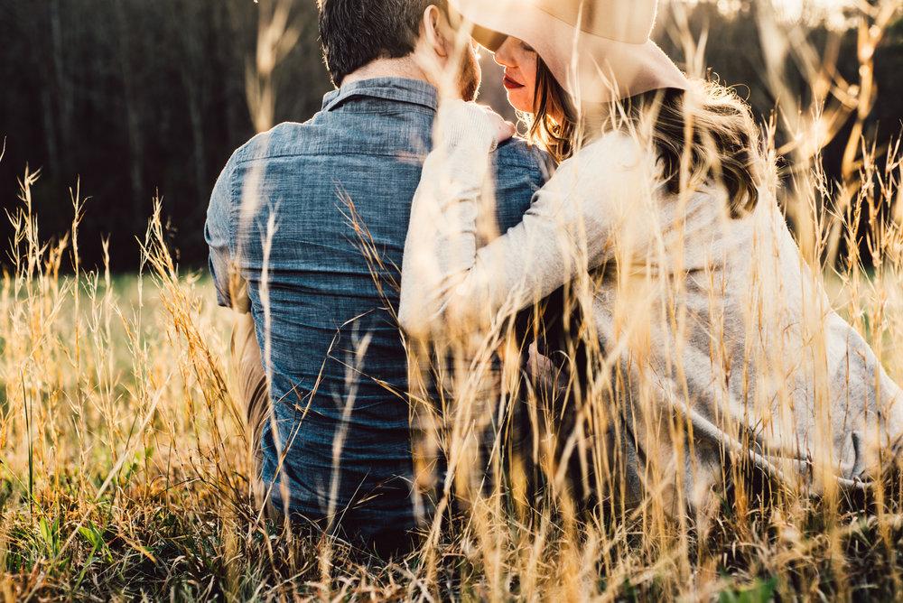 Shenandoah-Valley-National-Park-Adventure-Couple-Portraits-White-Sails-Creative_26.JPG