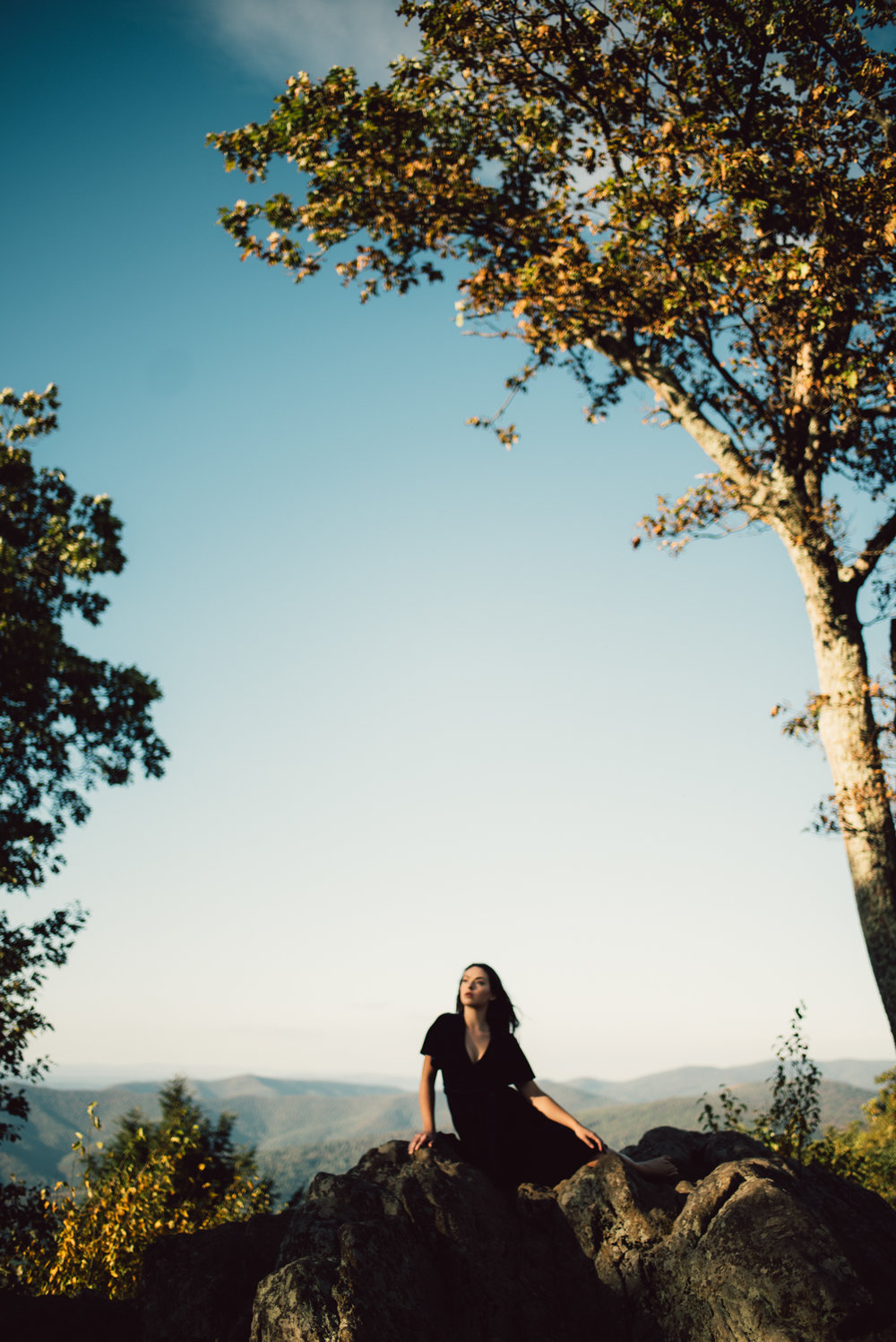 Megan_Shenandoah_National_Park_Windy_Romantic_Portraits_67.JPG