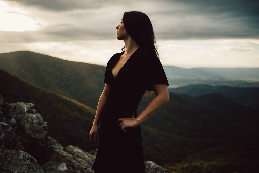 Megan_Shenandoah_National_Park_Windy_Romantic_Portraits_81.JPG