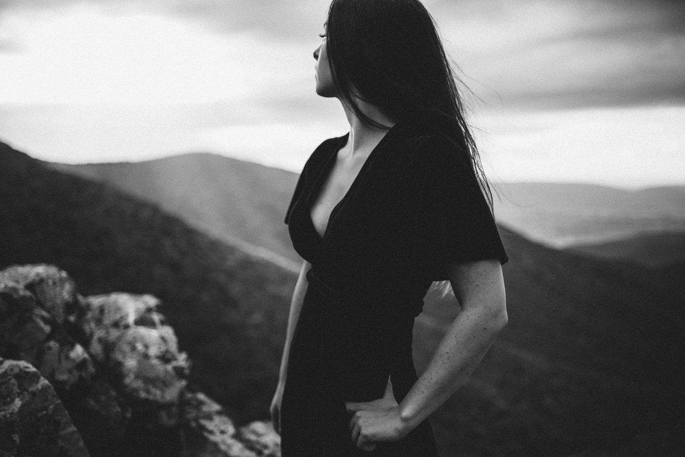 Megan_Shenandoah_National_Park_Windy_Romantic_Portraits_84.JPG